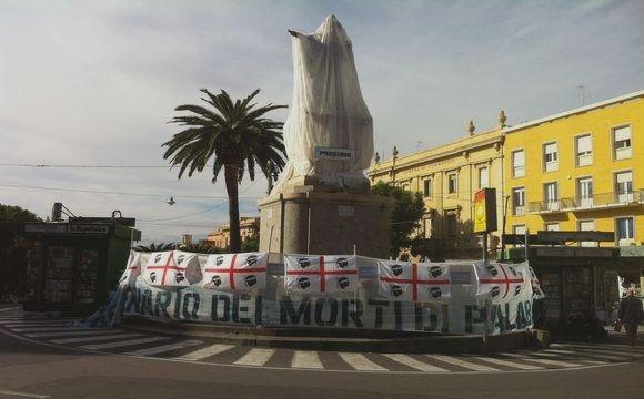 https://unaltrasestu.files.wordpress.com/2012/10/cagliari_-statua-di-carlo-felice-coperta1.jpg