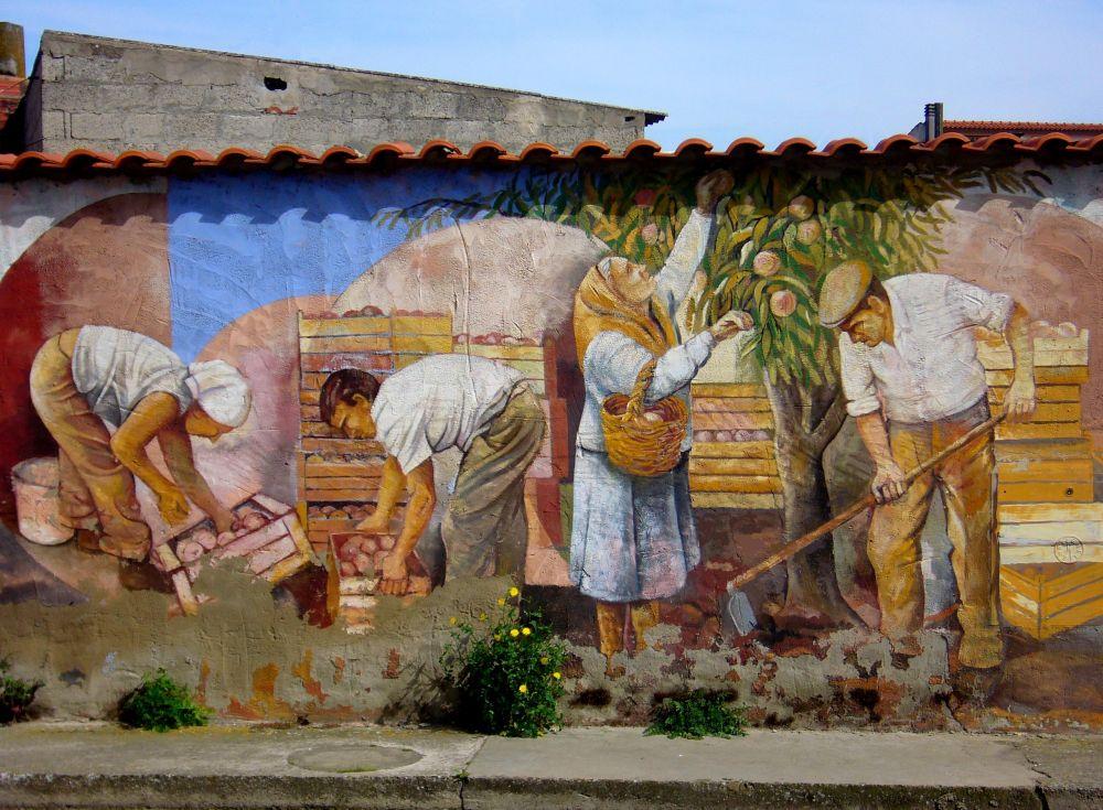 Murales sestu reloaded for Foto di case tradizionali