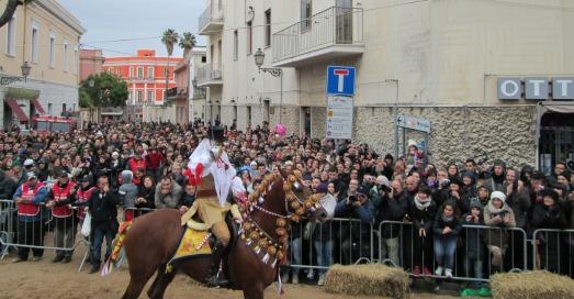 Sartiglia 2013 - Su Componidori della domenica, con maschera color terra (Foto di L. Pirroni)