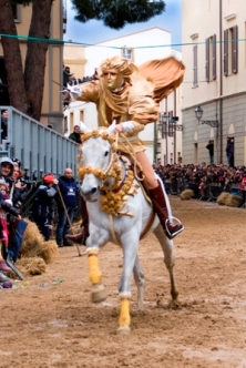 Sartiglia 2013 - Cavaliere che riesce a cogliere la stella (Foto di L. Pirroni)